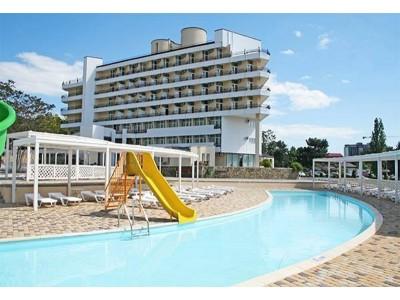 Отель «ALEAN FAMILY RESORT & SPA BIARRITZ / Биарриц» отель (бывш. «Сосновая роща») , открытые бассейны
